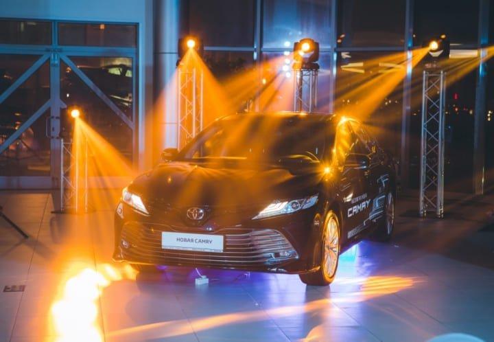 Презентация автомобиля Toyota Camry